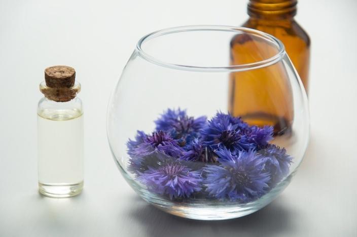 Essential Oils for Endometriosis
